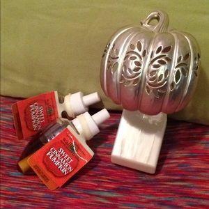 Bath and body works Wallflower Bulbs & diffuser